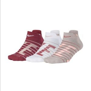 NIKE dri-fit low cut socks